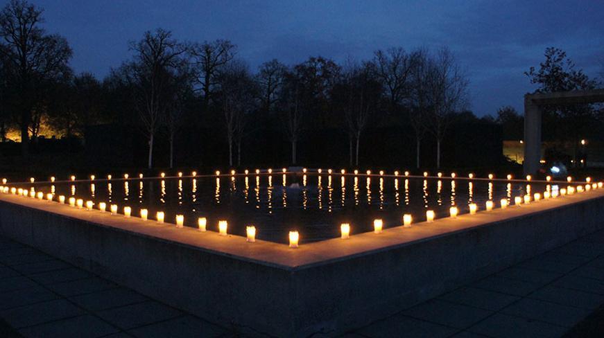 Herdenken Belicht In Zwolle